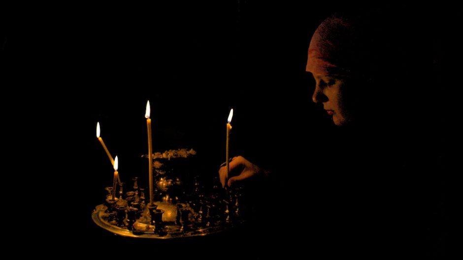 4 bougies brûlaient lentement ... (poème)